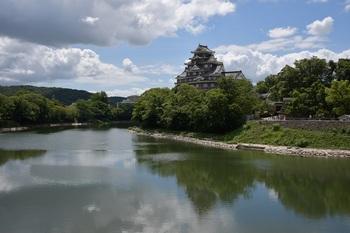夏の烏城aup.JPG